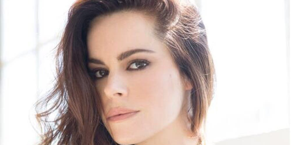 Emily Hampshire from Schitt's Creek talks about being proud of who you truly are